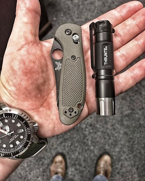 Benchmade - Tonight's work carry. #benchmade #benchmademinigriptilian #griptilian #griptilianfamily #minigriptilian #knife #knives #knifenut #knifeporn #knifegasm...