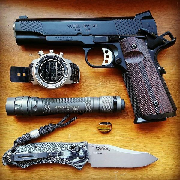 Benchmade - Thanks for the tag 👌👌👌 Regrann from desert_guardian - Don't let anyone fool you into capacity envy...find what works for you, and master it. My TRP is an...